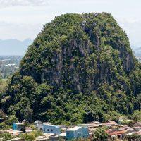 El comercio mundial y las 'Montañas de Mármol' de Danang
