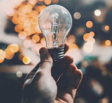 Transformarse o morir, el nuevo lema de las eléctricas