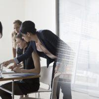 La NextGen quiere tirar la puerta de la empresa familiar