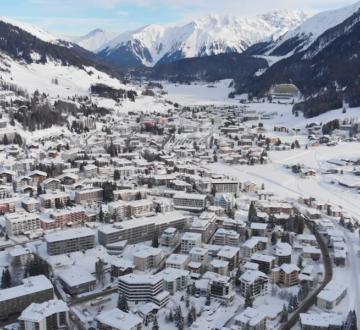 Cuatro podcasts para entender mejor Davos