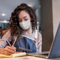 Cuatro claves para reducir la brecha digital entre los jóvenes